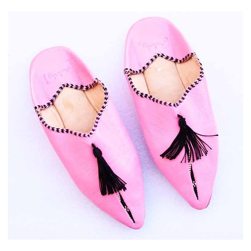 pompom-slippers-pink